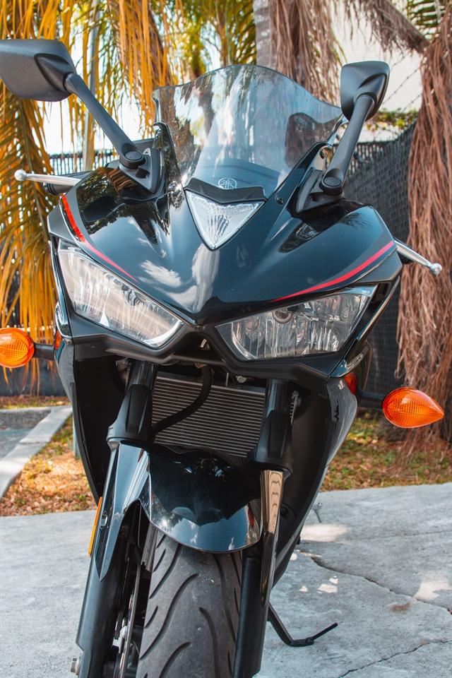 2018 Yamaha YZF R3 at Tampa Triumph, Tampa, FL 33614