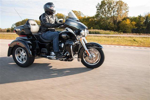 2021 Harley-Davidson Trike FLHTCUTG Tri Glide Ultra at Rooster's Harley Davidson