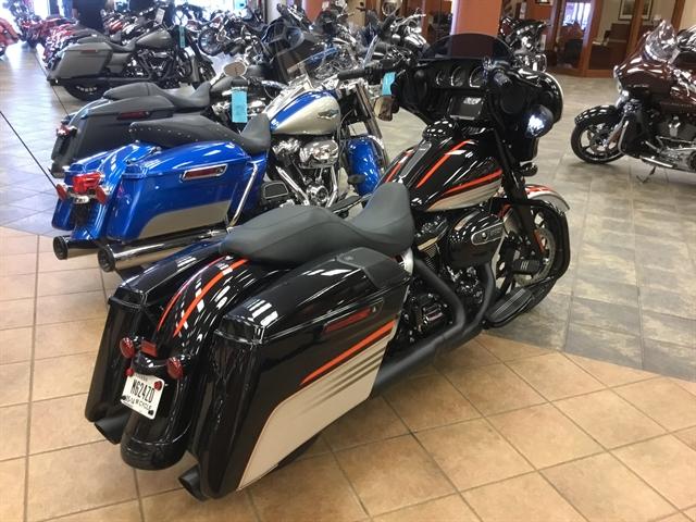 2018 Harley-Davidson Street Glide Special at Bud's Harley-Davidson Redesign