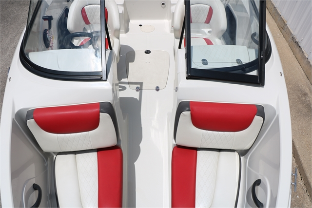 2015 Tahoe 400TS at Jerry Whittle Boats