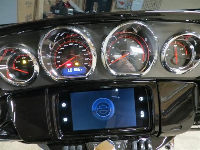 2020 Harley-Davidson CVO Street Glide at Copper Canyon Harley-Davidson