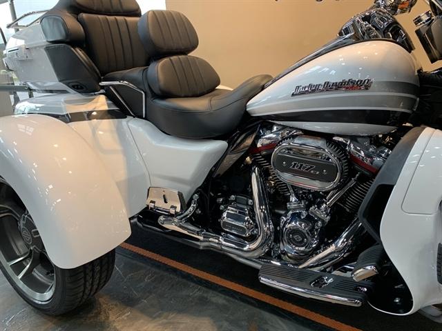2020 Harley-Davidson Trike Tri Glide at Vandervest Harley-Davidson, Green Bay, WI 54303