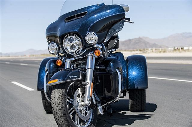 2016 Harley-Davidson Trike Tri Glide Ultra at Harley-Davidson of Fort Wayne, Fort Wayne, IN 46804
