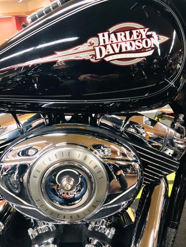 2011 Harley-Davidson Electra Glide Classic at Holeshot Harley-Davidson