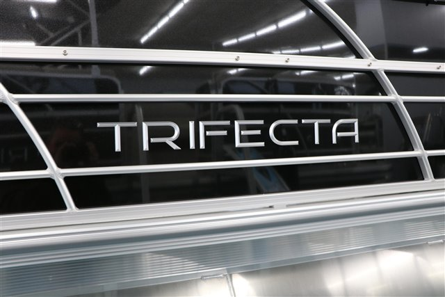2021 Trifecta LE-Series 24RF LE at Jerry Whittle Boats