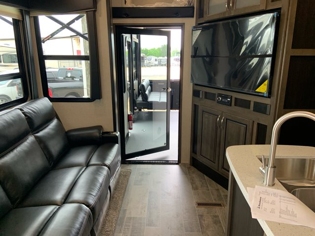 2020 Dutchmen Voltage Triton 3531 Toy Hauler at Campers RV Center, Shreveport, LA 71129