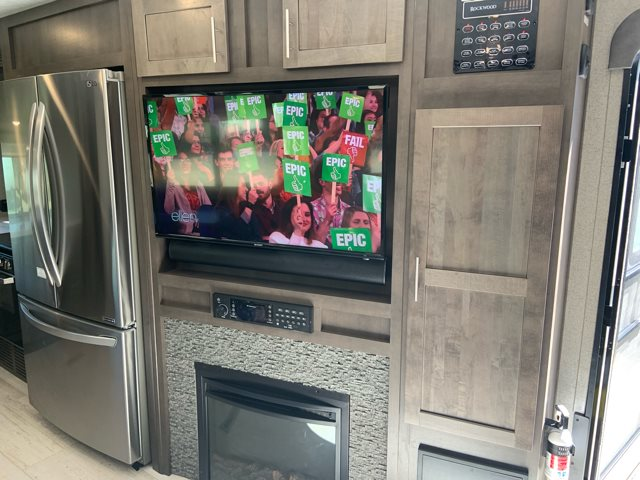 2019 Forest River Rockwood Signature Ultra Lite 8335BS Front Kitchen at Campers RV Center, Shreveport, LA 71129