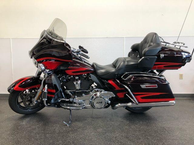 2017 Harley-Davidson Electra Glide CVO Limited at Destination Harley-Davidson®, Tacoma, WA 98424