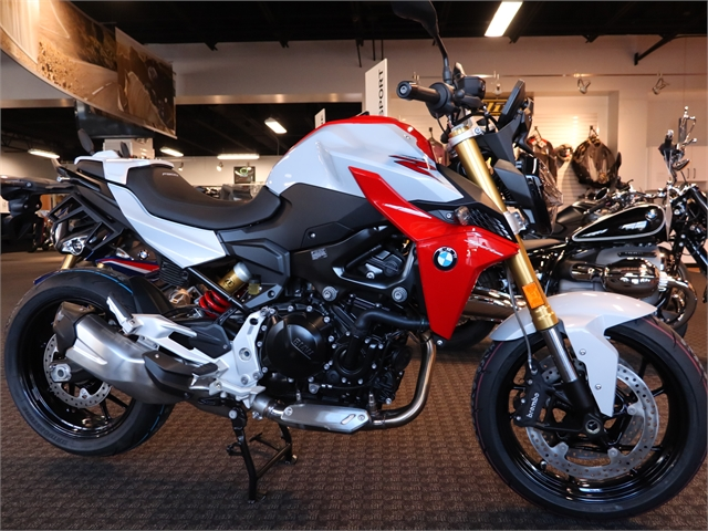 2021 BMW F 900 R at Frontline Eurosports