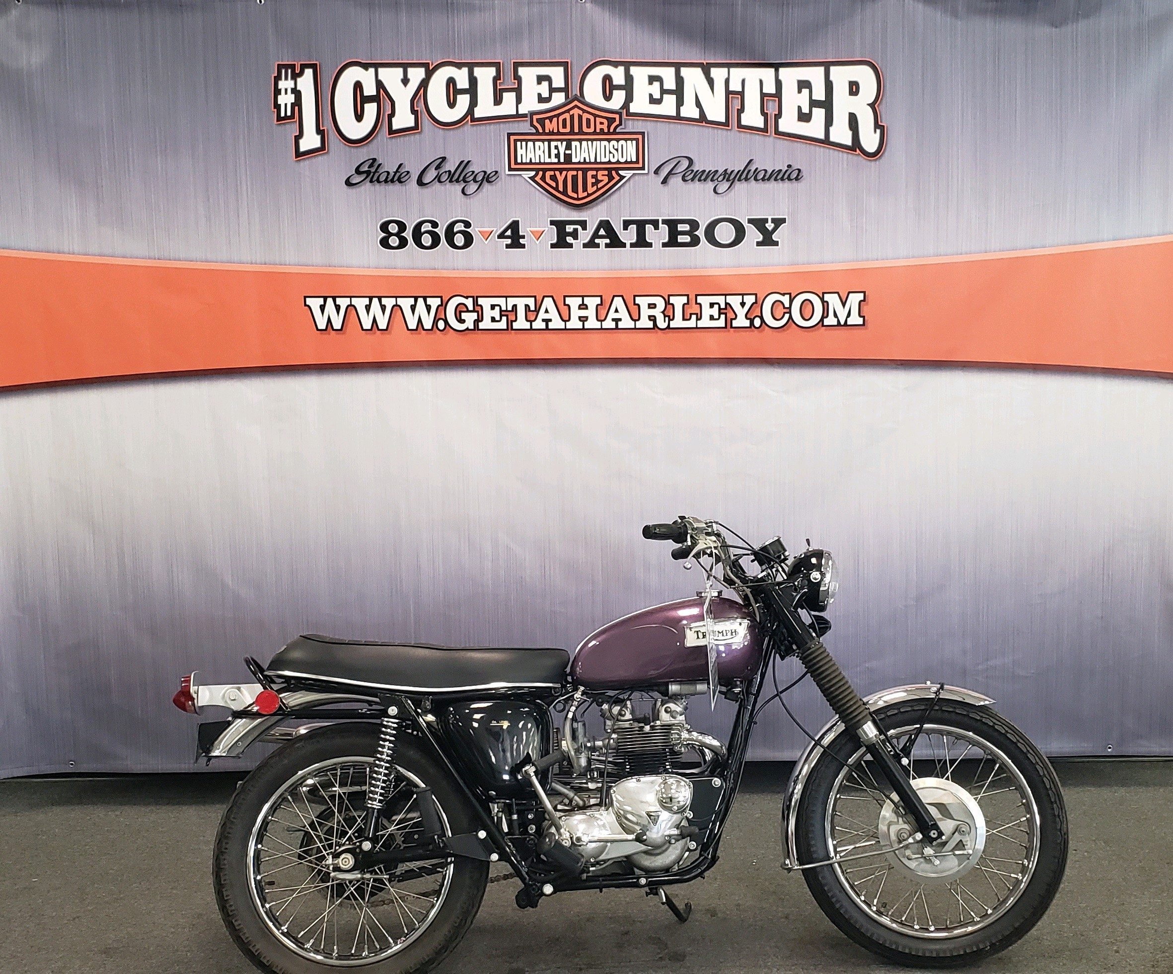 1971 TRIUMP TROPHY at #1 Cycle Center Harley-Davidson