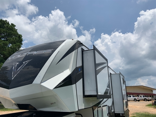 2020 Dutchmen Voltage V3915 at Campers RV Center, Shreveport, LA 71129
