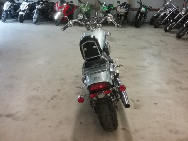 2007 Honda Shadow VLX Deluxe at Thornton's Motorcycle - Versailles, IN