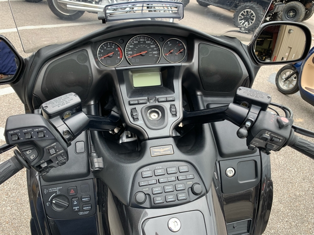 2010 Honda Gold Wing Audio / Comfort at Mungenast Motorsports, St. Louis, MO 63123