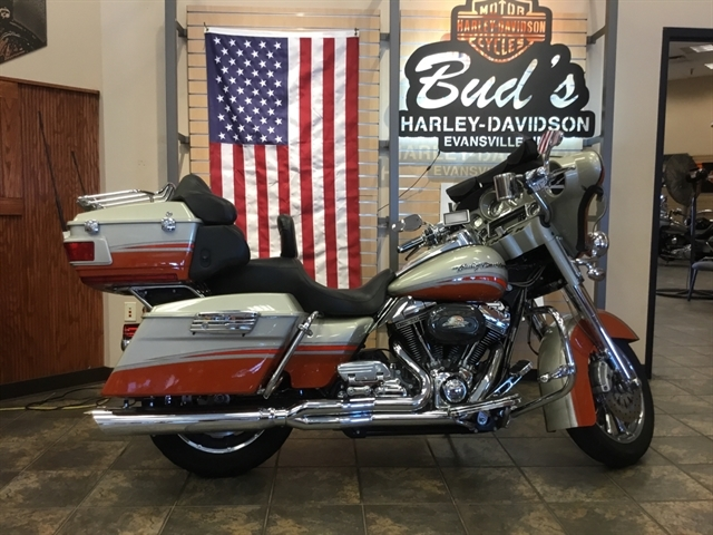 2009 Harley-Davidson Electra Glide CVO Ultra Classic at Bud's Harley-Davidson