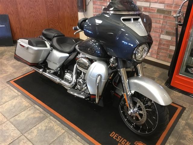 2019 Harley-Davidson Street Glide CVO Street Glide at Bud's Harley-Davidson, Evansville, IN 47715