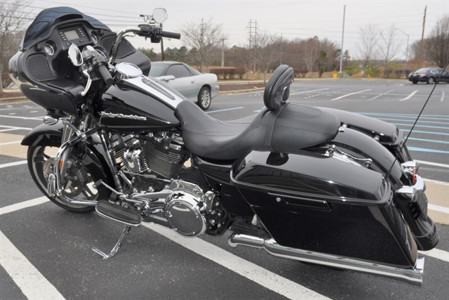 2017 Harley-Davidson Road Glide Base at All American Harley-Davidson, Hughesville, MD 20637