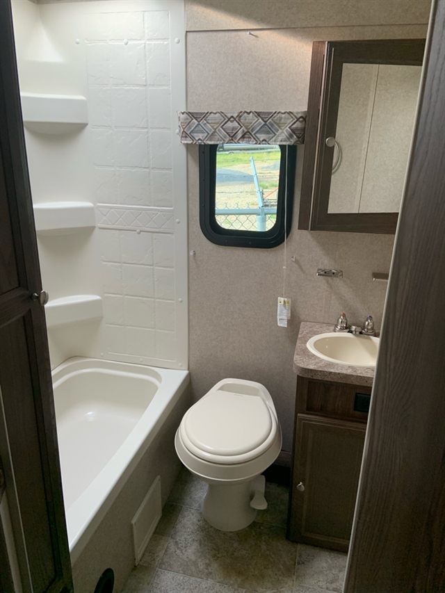 2017 Forest River Flagstaff Micro Lite 25BHS 25BHS at Campers RV Center, Shreveport, LA 71129