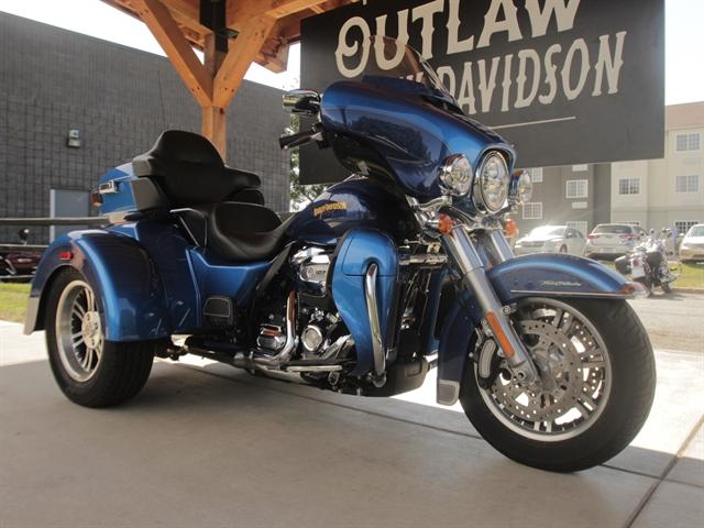 2017 Harley-Davidson Trike Tri Glide Ultra at Outlaw Harley-Davidson