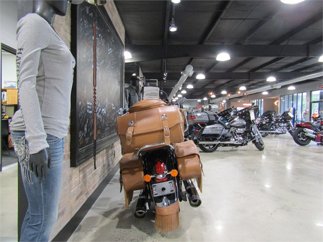 2017 Indian Roadmaster Classic at Cox's Double Eagle Harley-Davidson