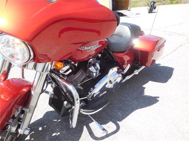 2019 Harley-Davidson Street Glide Base at Bumpus H-D of Murfreesboro