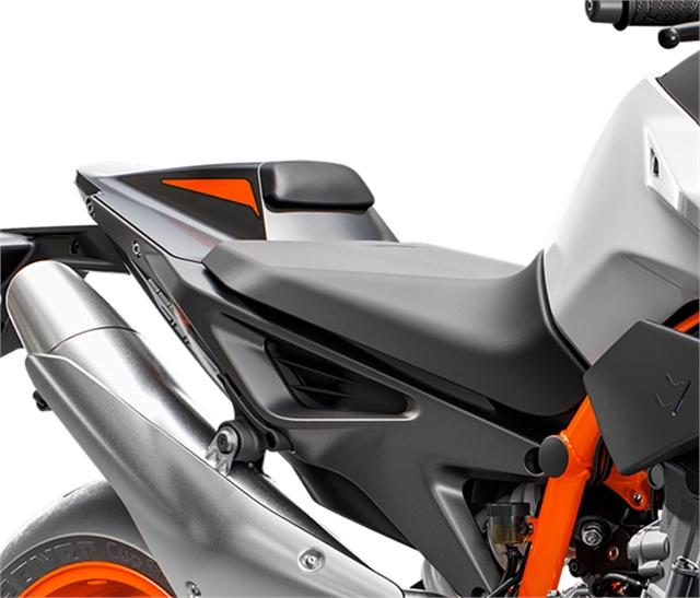 2021 KTM Duke 890 R at Lynnwood Motoplex, Lynnwood, WA 98037