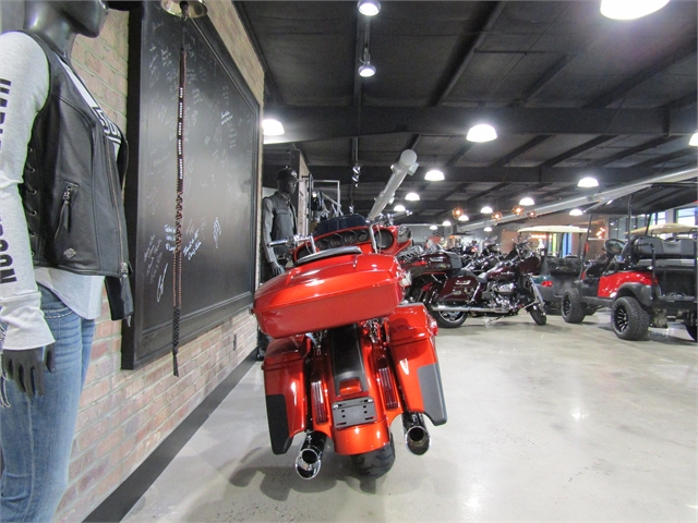 2018 Harley-Davidson Street Glide CVO Street Glide at Cox's Double Eagle Harley-Davidson