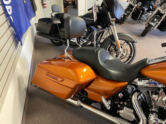 2015 HARLEY-DAVIDSON FLHXS at Carlton Harley-Davidson®