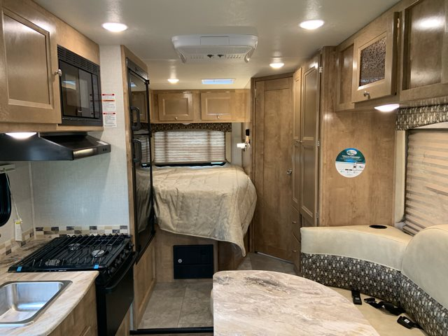2019 Coachmen Leprechaun 210QB at Campers RV Center, Shreveport, LA 71129