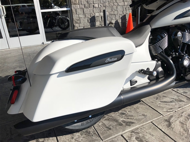 2019 Indian Chieftain Dark Horse White Smoke at Lynnwood Motoplex, Lynnwood, WA 98037