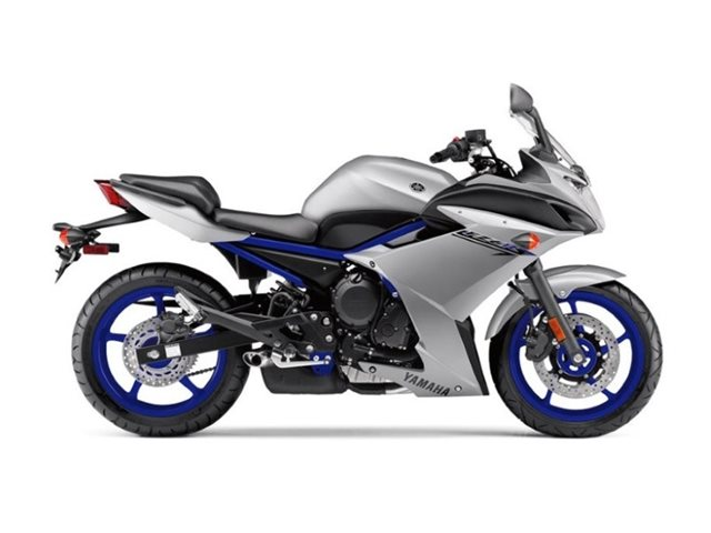 2017 Yamaha FZ6R at Brenny's Motorcycle Clinic, Bettendorf, IA 52722