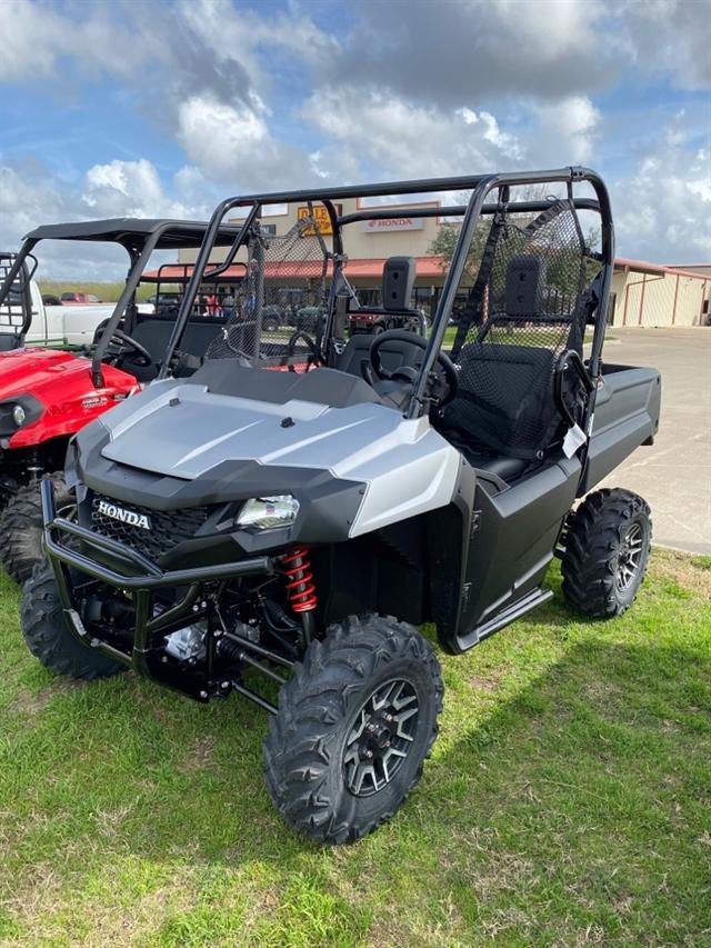 2020 Honda Pioneer 700 Deluxe at Dale's Fun Center, Victoria, TX 77904