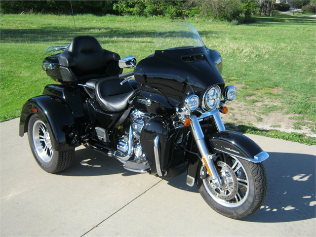 2020 Harley-Davidson Trike Tri Glide Ultra at Brenny's Motorcycle Clinic, Bettendorf, IA 52722