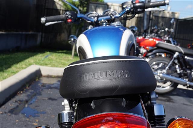 2018 Triumph Bonneville T100. Black at Tampa Triumph, Tampa, FL 33614