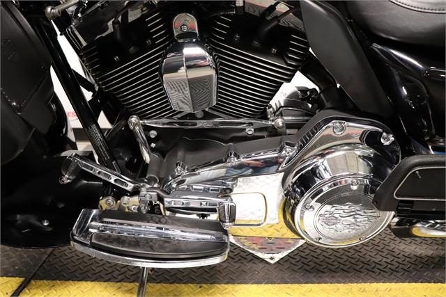 2013 Harley-Davidson Road Glide Ultra at Friendly Powersports Slidell