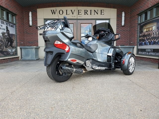 2018 CAN AM SPYDER RT at Wolverine Harley-Davidson