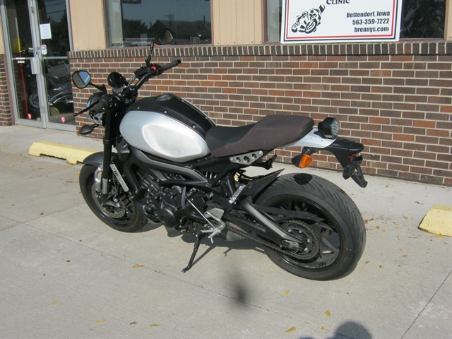2016 Yamaha XSR900 ABS at Brenny's Motorcycle Clinic, Bettendorf, IA 52722