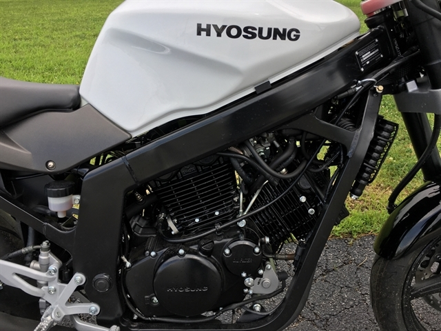 2016 Hyosung GT 250 at Randy's Cycle, Marengo, IL 60152