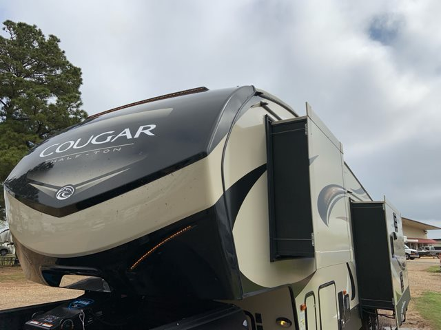 2019 Keystone Cougar Half-Ton 30RLS Rear Living at Campers RV Center, Shreveport, LA 71129