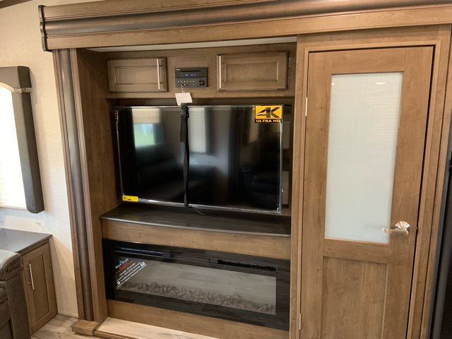 2019 Keystone Cougar Half-Ton 30RLS Rear Living at Campers RV Center, Shreveport, LA 71129