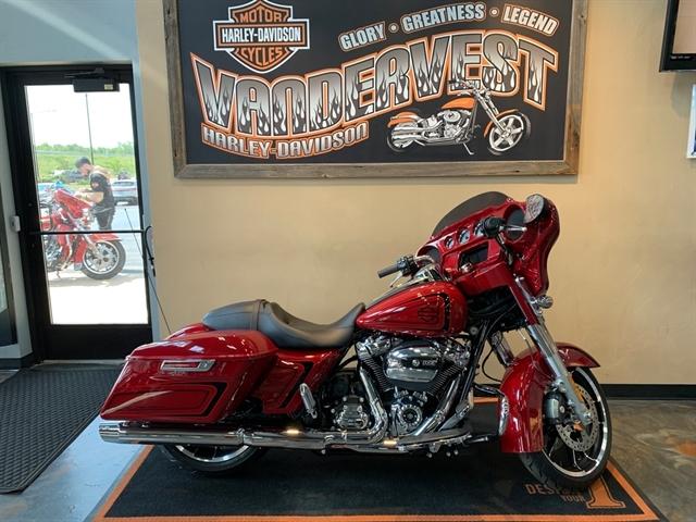 2021 Harley-Davidson Touring Street Glide at Vandervest Harley-Davidson, Green Bay, WI 54303