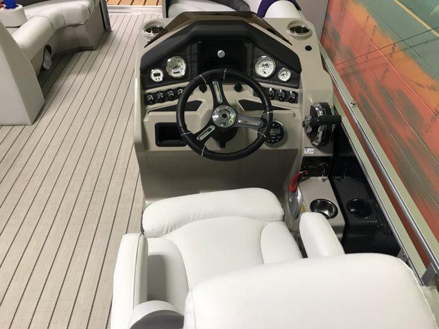 2018 Lund LX 220 CRUISE at Pharo Marine, Waunakee, WI 53597