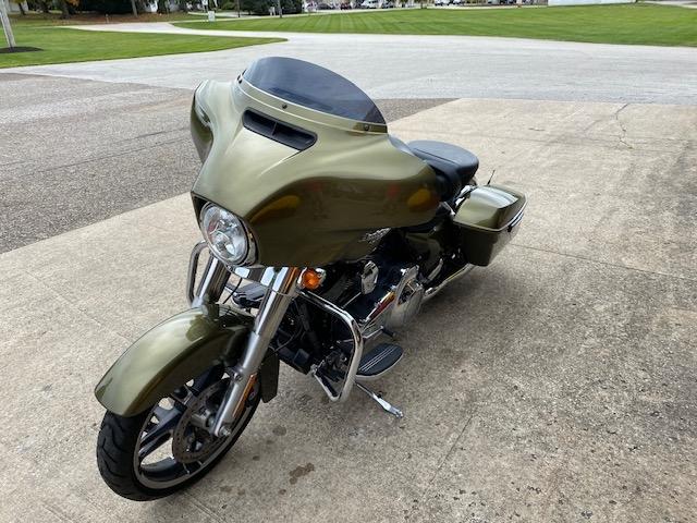 2016 Harley-Davidson Street Glide Base at Carlton Harley-Davidson®