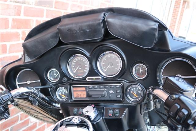 2001 HARLEY FLHTCUI at Zylstra Harley-Davidson®, Ames, IA 50010