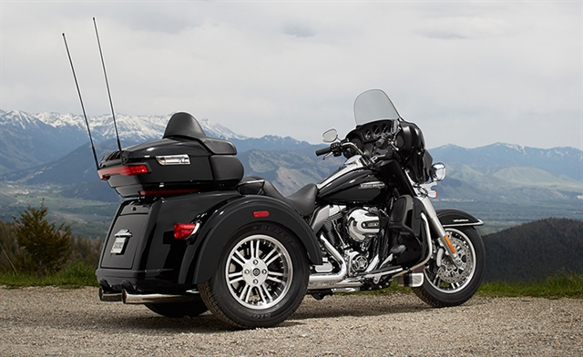 2016 Harley-Davidson Trike Tri Glide Ultra at Thornton's Motorcycle - Versailles, IN