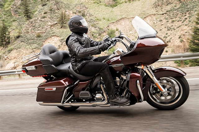 2019 Harley-Davidson Road Glide Ultra at Zips 45th Parallel Harley-Davidson
