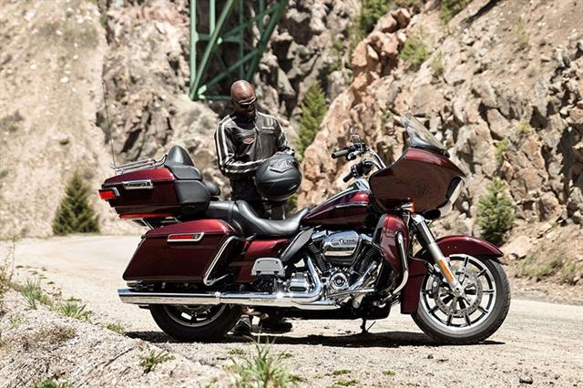 2019 Harley-Davidson Road Glide Ultra at Zips 45th Parallel Harley-Davidson