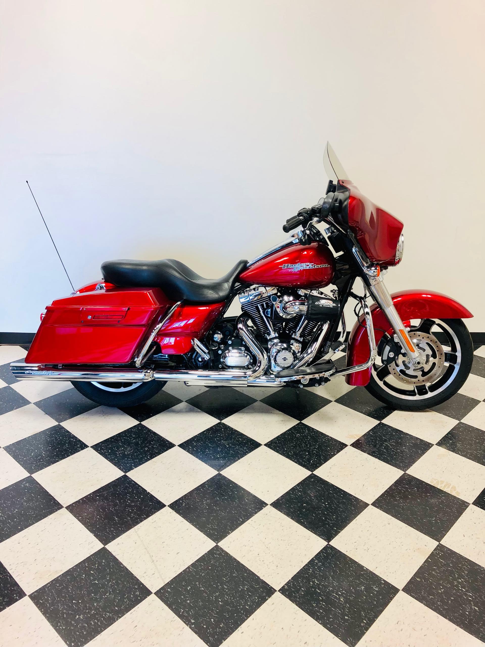 2012 Harley-Davidson Street Glide Base at Deluxe Harley Davidson