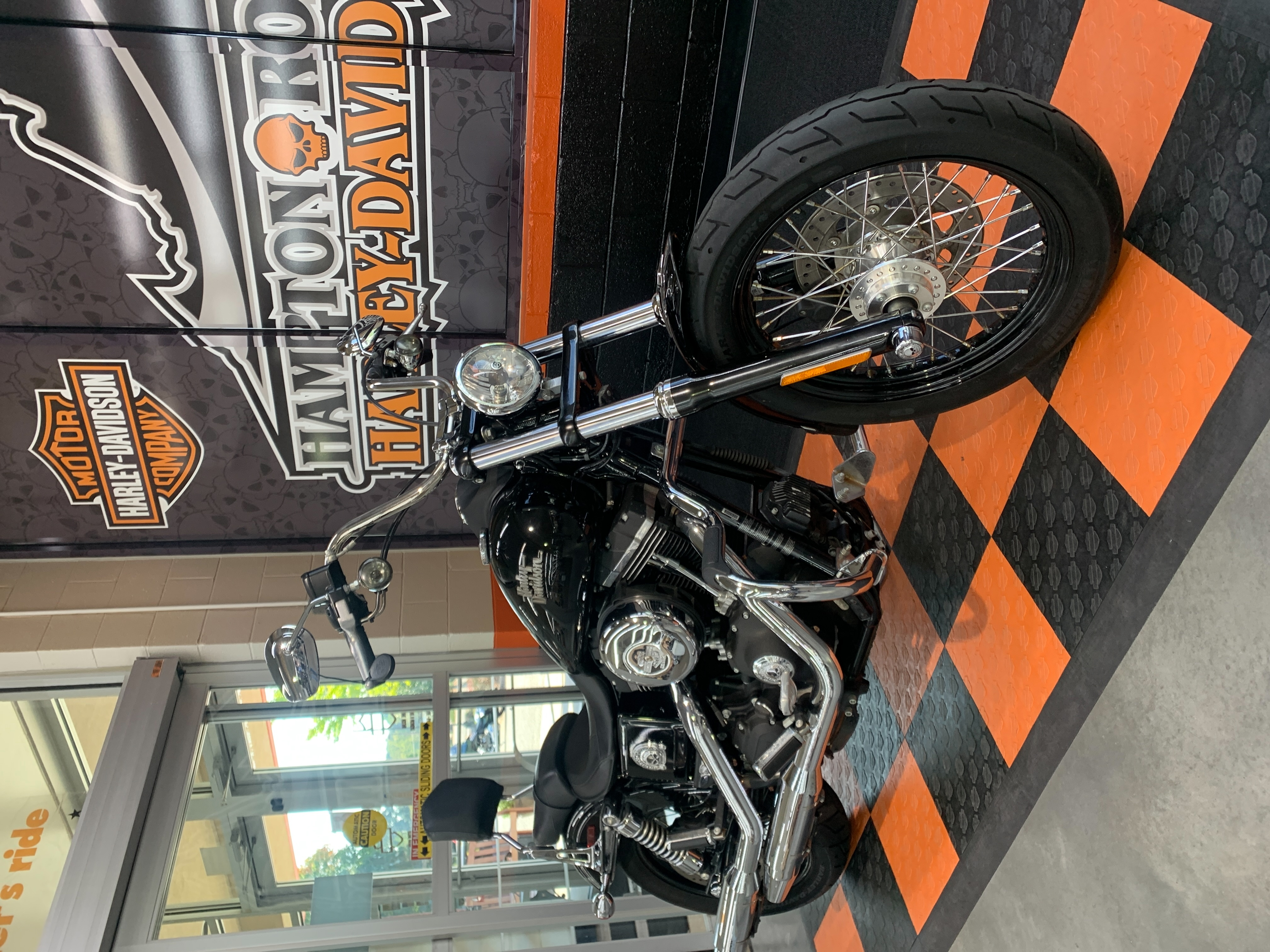 2016 Harley-Davidson Dyna Street Bob at Hampton Roads Harley-Davidson