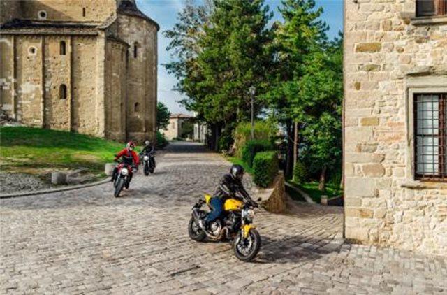 2019 Ducati Monster 821 at Frontline Eurosports