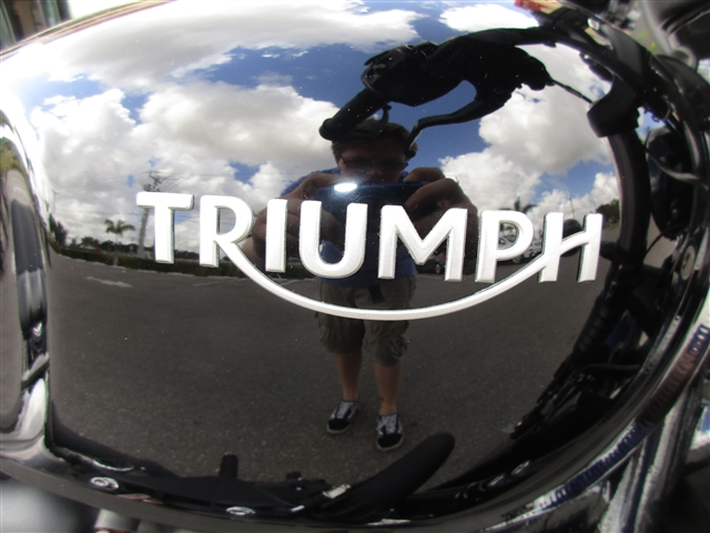 2019 Triumph Bonneville Bobber Black Jet Black at Stu's Motorcycles, Fort Myers, FL 33912